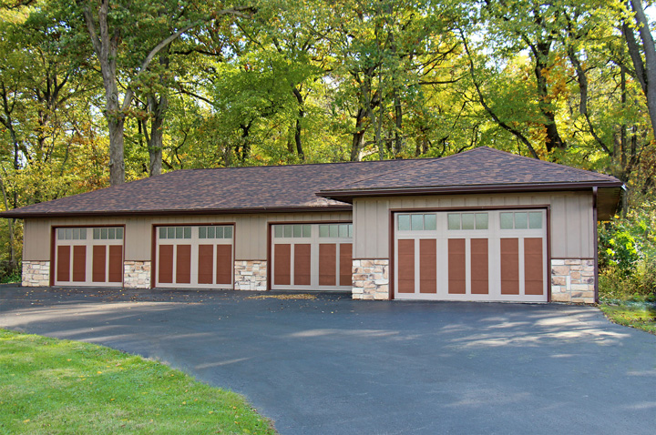 RockCreeke™ Carriage House Residential Garage Door