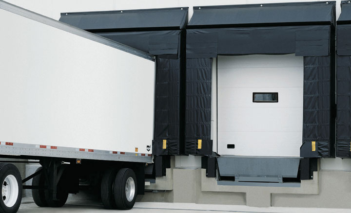 Raynor ThermaSeal® TM200 Sectional Garage Doors