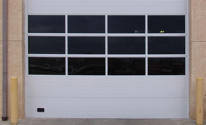 Raynor ThermaSeal® TM175 Sectional Garage Doors